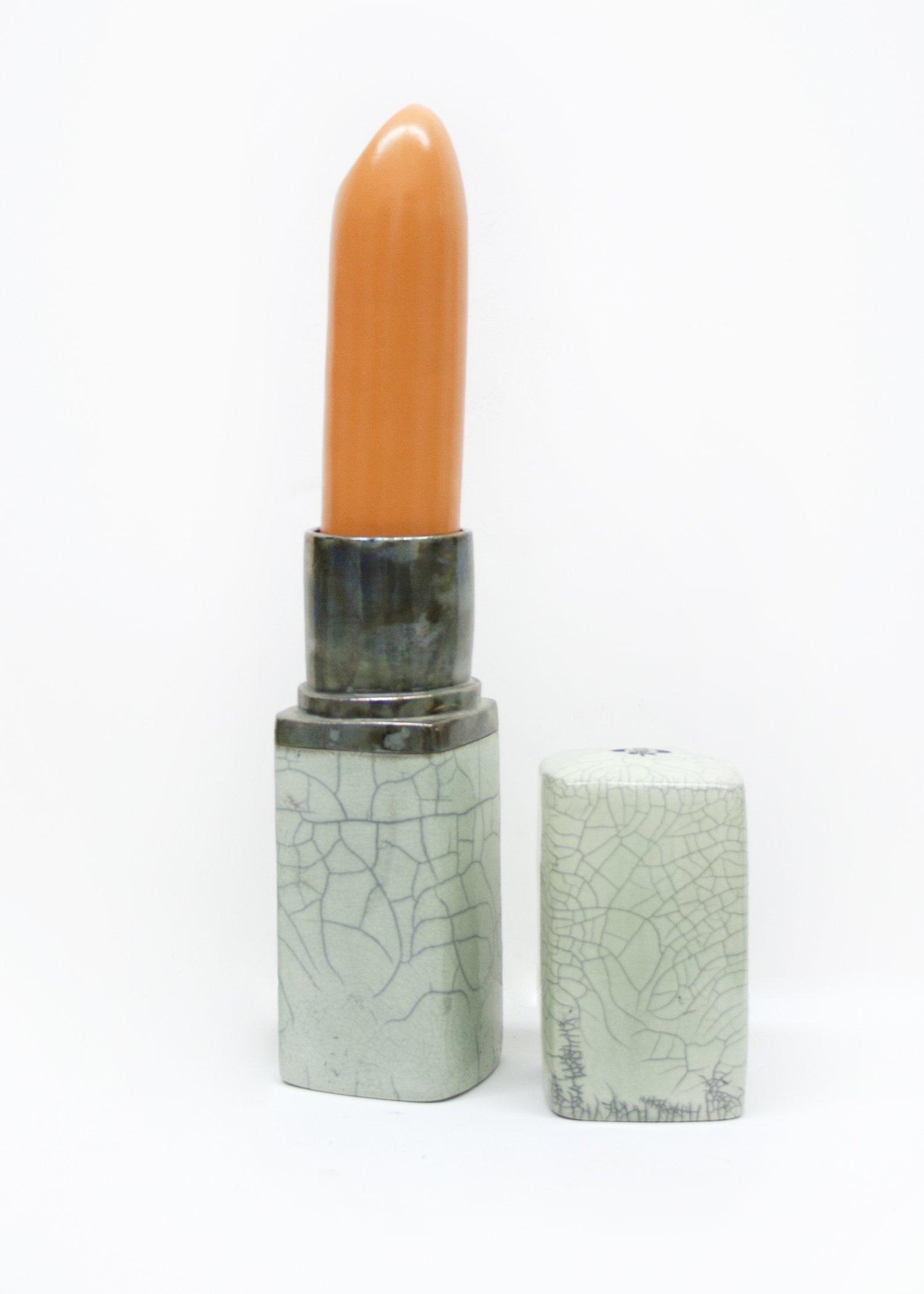 Karen Shapiro, Giant Lipstick, 2001